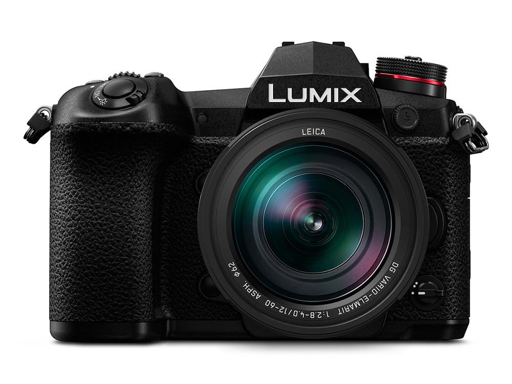 LUMIX G9 Frontal mit Objektiv