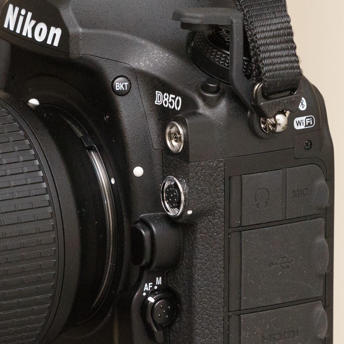 Nikon D850 Schnittstellen vorne