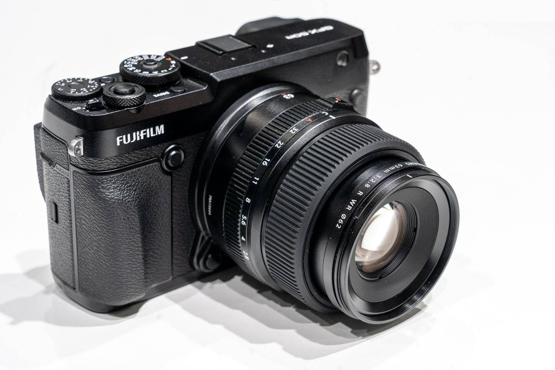 Fujifilm-GFX50R-live
