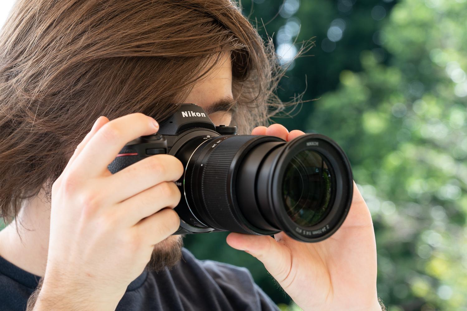Nikon Z7 in der Hand