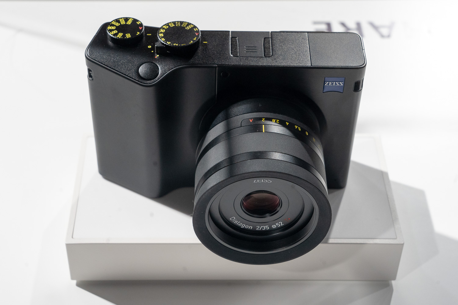Zeiss ZX1 live 4
