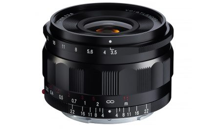 Neu von Voigtländer: 21 mm/1:3,5 Color Skopar für Sony E-Mount