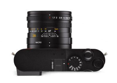 Leica+Q2_top_CMYK