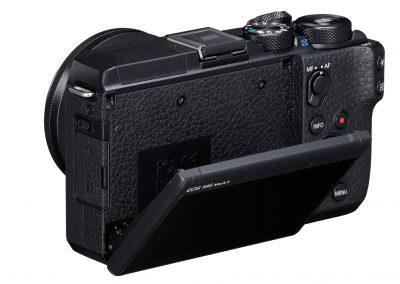 15_EOS M6 Mark II_BK_BackSlantLeft_EF-M15-45mm1.3.5-6.3ISSTM[1]