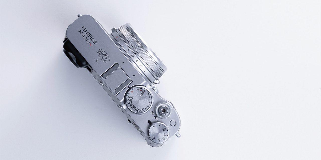 Fujifilm präsentiert Edel-Kompakte X100V mit Klappdisplay und 26 Megapixel (aktualisiert)