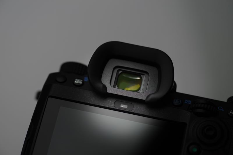 Pentax-K-APS-C-flagship-DSLR-Augensensor
